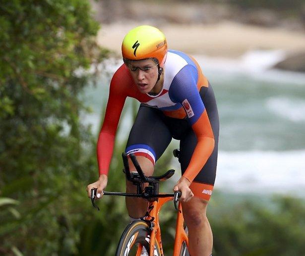 Nieuws uit Rio: Gladde berm zorgt voor drama bij Nederlandse wielrenner