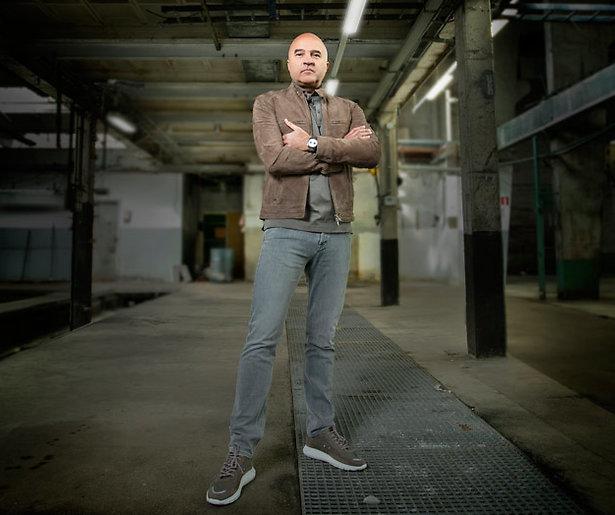 John van den Heuvel mag nieuwe afleveringen van documentairereeks maken