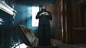 Vampier Johnny Depp bijt zich vast in verleidelijke heks