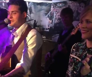 Videosnack: Douwe Bob en The Common Linnets zingen Slow Down