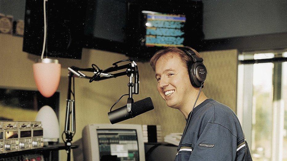 Edwin Evers viert 15-jarig jubileum met 15 uur radio