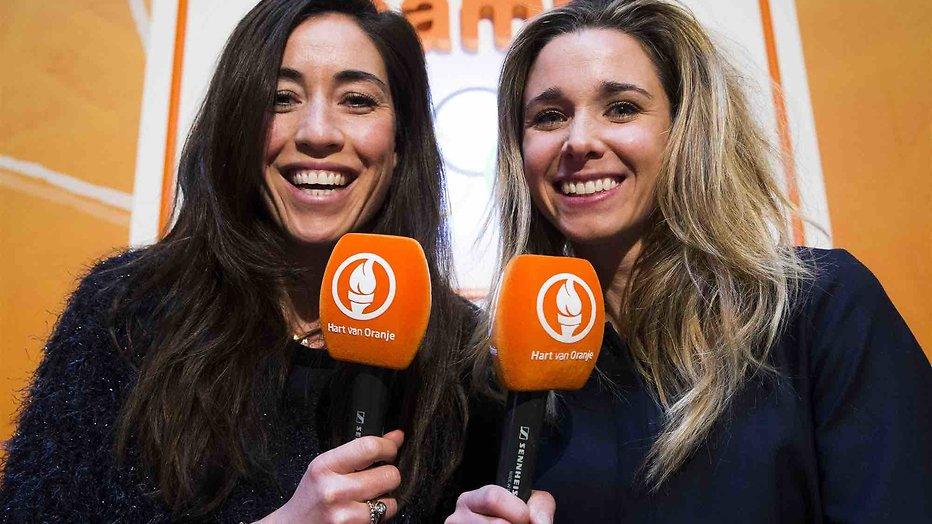 De TV van gisteren: Hockeymeisjes Ellen & Naomi debuteren niet slecht