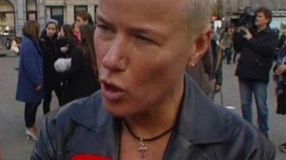 Ellie Lust in Wie Is De Mol om politiewerk te belichten