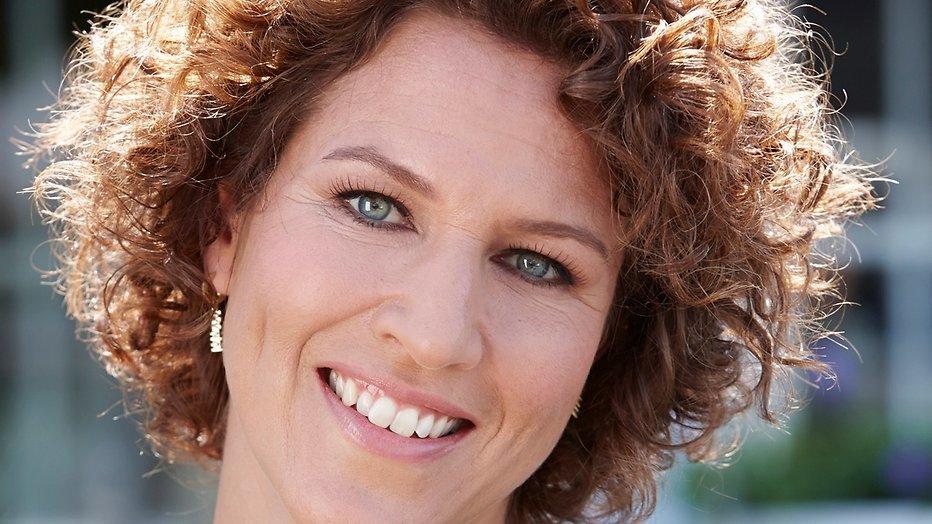 Evelien de Bruijn earned a  million dollar salary - leaving the net worth at 2 million in 2018