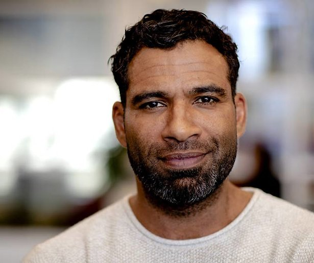 Acteur Edwin Jonker vindt casting Flikken Rotterdam tikje racistisch