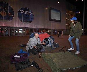 Bertie en JayJay door politie weggestuurd van kampeerplek
