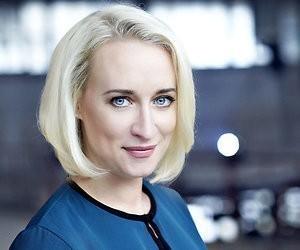 Eva Jinek gekozen tot omroepvrouw van het jaar