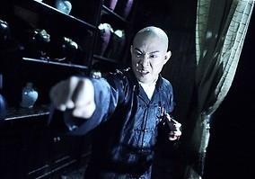 Jet Li staat zijn mannetje