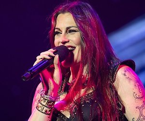 Floor Jansen openhartig over pestverleden