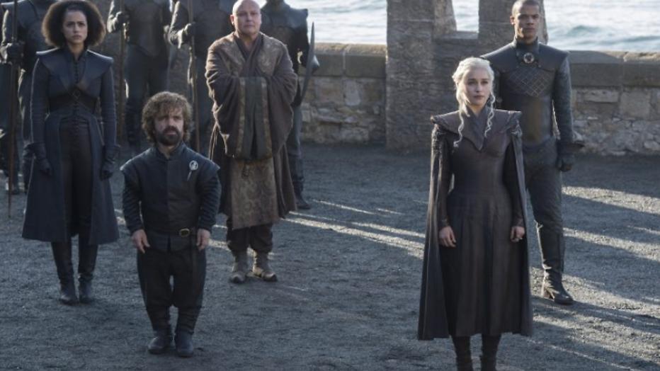 Eerste foto's Game of Thrones seizoen 7 leiden tot speculaties