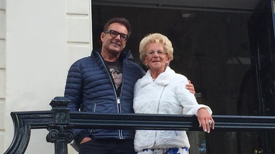 Moeder Gerard Joling getroffen door milde beroerte - Televizier.nl: https://www.televizier.nl/categorie/sterren/moeder-gerard-joling...