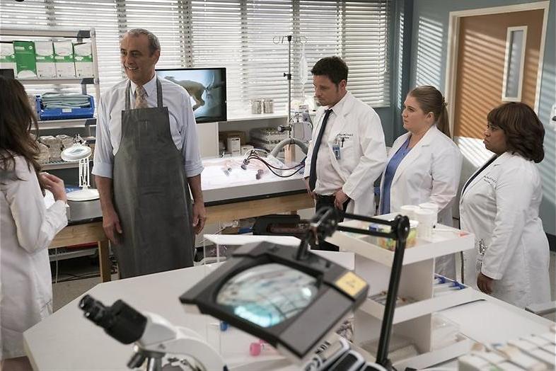 Papa DeLuca draait door in Grey's Anatomy