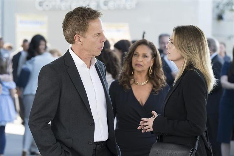 Jackson en Maggie in de clinchn in Grey's Anatomy