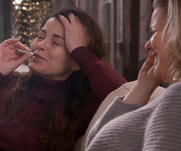 GTST helpt Linda en Janine aan de medicinale wiet