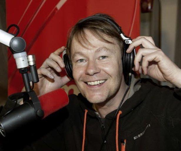 Hind, Gijs Staverman en Carolina Dijkhuizen in Songfestival-jury