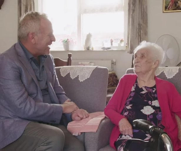 Videosnack: Gordon en Koelkast Corrie in 100 Jaar Jong