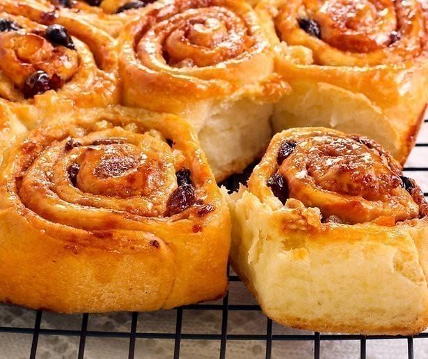 Zo bak je de Chelsea buns uit The great British bake off