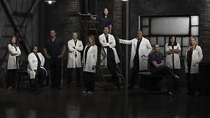Bruiloft en afscheid in seizoensfinale Grey's Anatomy
