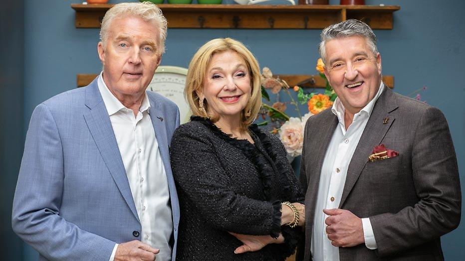 De TV van gisteren: Heel Holland Bakt geeft concurrentie veeg uit de pan