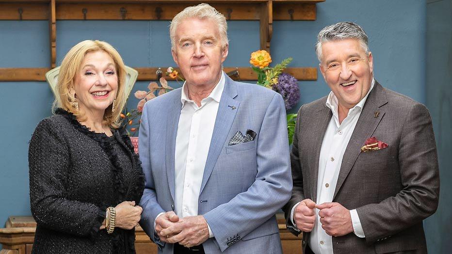 De TV van gisteren: NPO smult van kijkcijfers Heel Holland bakt