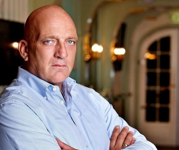 Herman den Blijker kookt in nieuw programma bij SBS6 voor werkenden in vitale sector