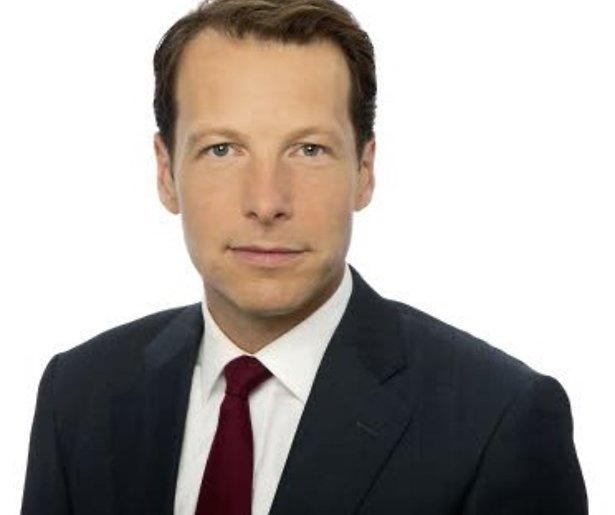 Snoept quizmaster Herman van der Zandt kijkers weg bij het Journaal?