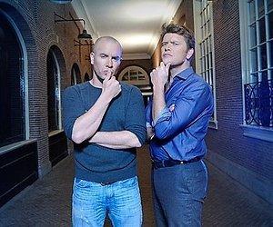 Beau van Erven Dorens en Jeroen van Koningsbrugge presenteren IQ Test