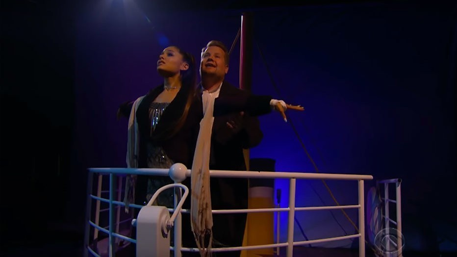 Ariana Grande en James Corden in Titanic-musical
