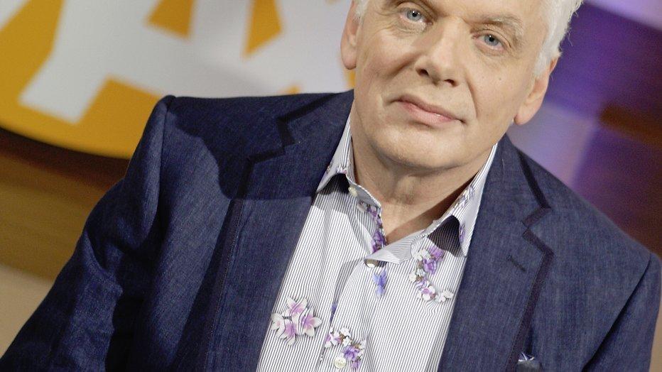 De nieuwe presentator van Heel Holland Bakt is een man