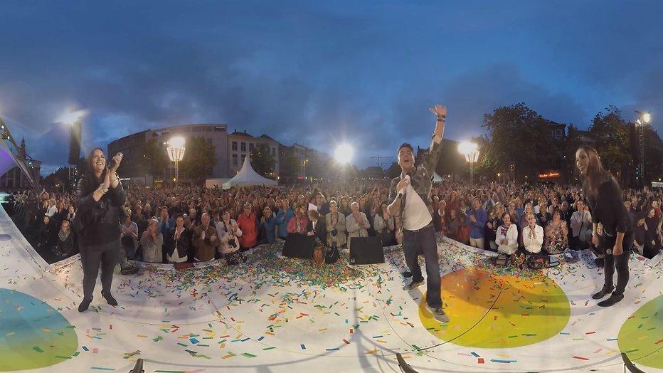 Videosnack: Jan Smit zingt Als de morgen is gekomen in 360 graden