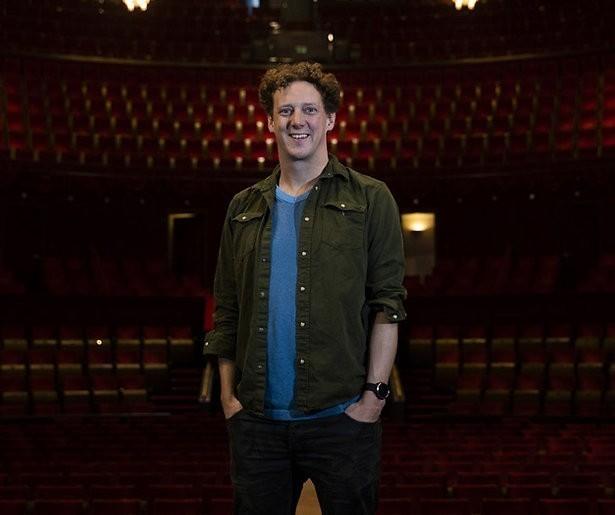 De TV van gisteren: Miljoenenpubliek lachend het jaar in met Jochem Myjer
