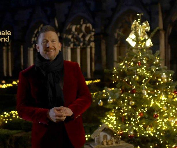 Johnny de Mol moet vanwege coronabesmetting De Nationale Kerstavond overslaan