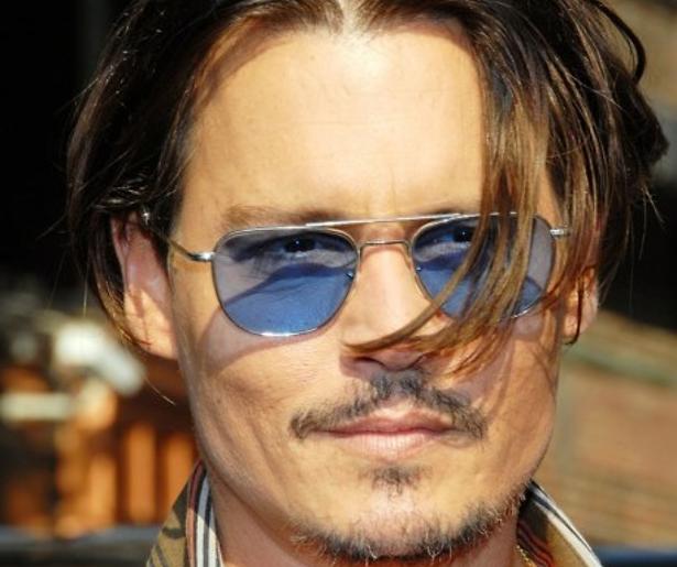 YouTube-hit: stomdronken Johnny Depp geeft bizarre speech