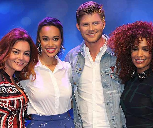 Kim-Lian, Sharon en Tim in vakjury Junior Songfestival
