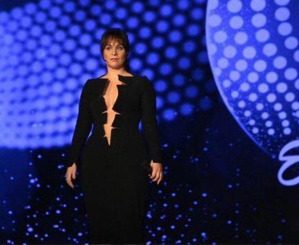 Ontwerper sexy jurk Trijntje verbaasd over broekpak