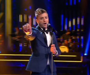 YouTube-hit: Jan Versteegh zingt Come Fly With Me