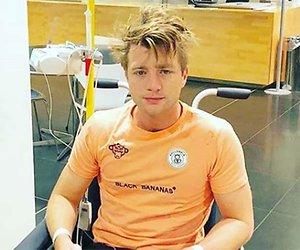 Jan Versteegh uit het ziekenhuis