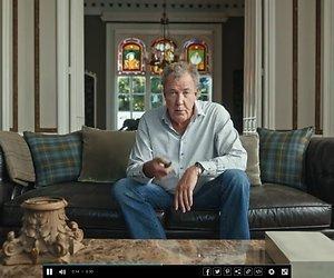 Enorm hoofd Jeremy Clarkson jaagt automobilisten doodsangsten aan