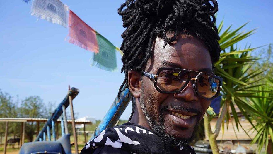 Kijktip: Kenny B brengt Parijs op Ibiza in De Beste Zangers