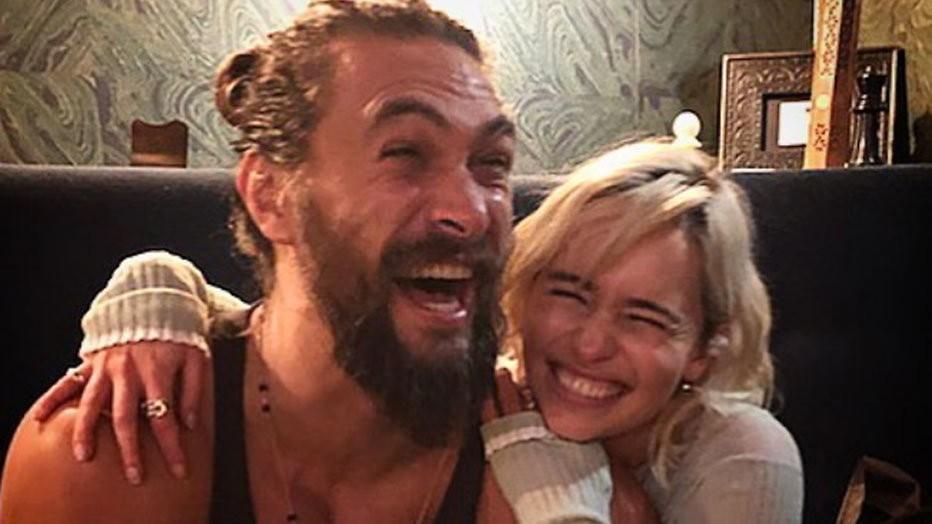 Aanstekelijke reünie van Daenerys en Khal Drogo