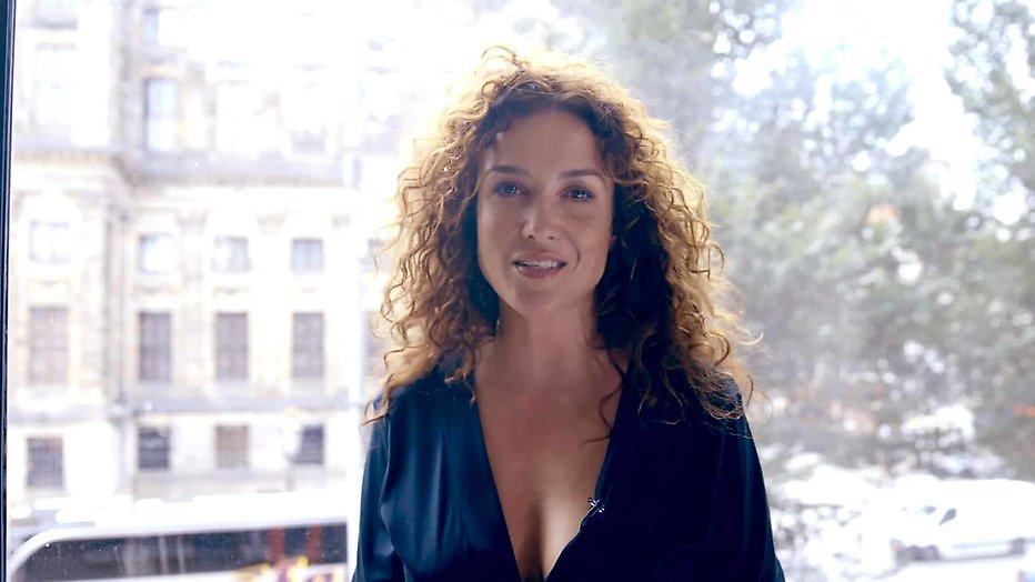 Katja Schuurman co-host in Zomer met Art