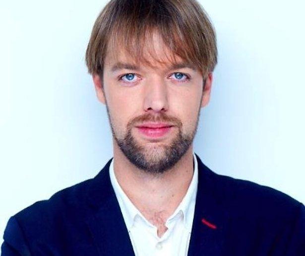 Olaf Koens doet DWDD dunnetjes over in Zondag met Lubach