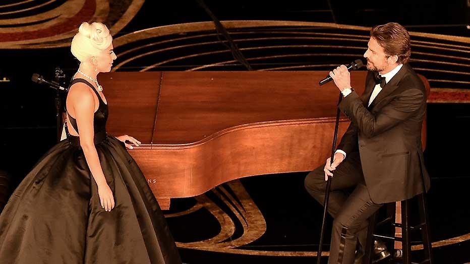 Het beste optreden van de Oscar-avond kwam van Lady Gaga en Bradley Cooper