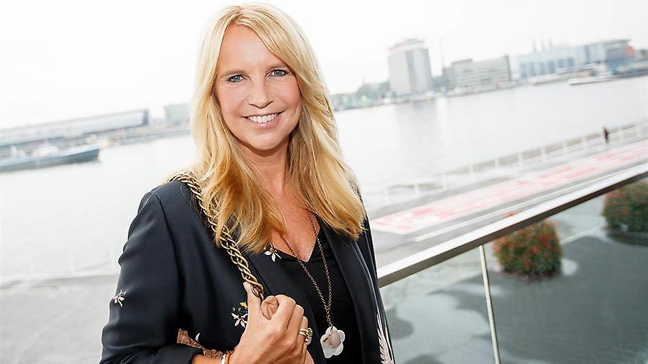 Linda de Mol voelt BN'ers aan de tand over seksleven