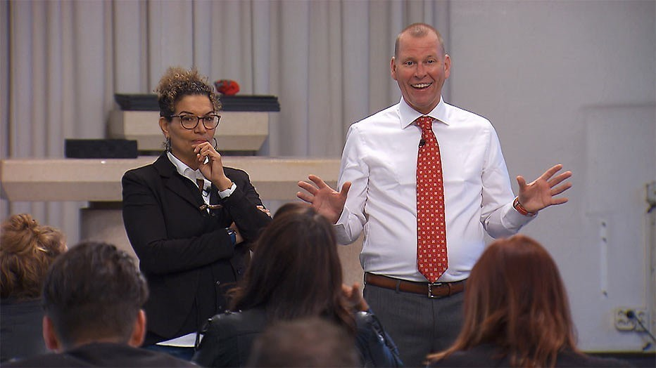 Forse kritiek op Dream School door ex-leerlingen