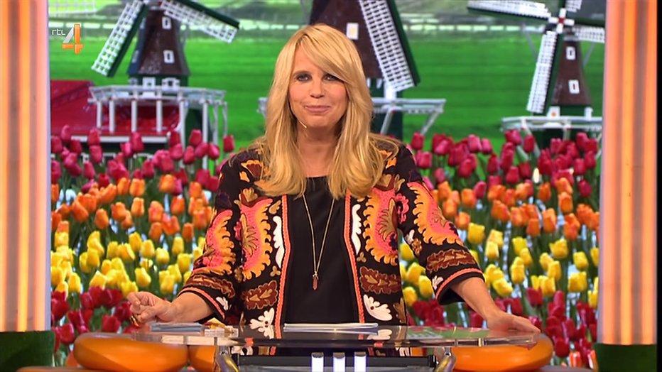 De TV van gisteren: Linda de Mol ten onder tegen voetbal