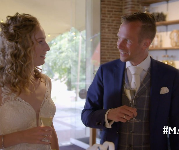 Lars en Lizzy gooien met modder na Married At First Sight