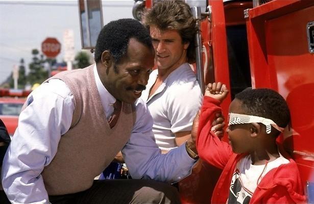 Danny Glover en Mel Gibson jagen op een drugsbende