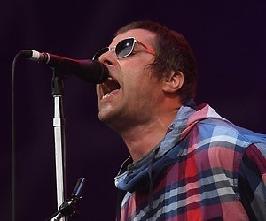 Oasis-zanger Liam Gallagher beklimt podium MTV Unplugged