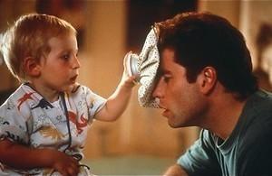 Bruce Willis als babbelende baby